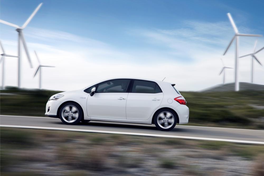 Toyota Auris 1 поколение [рестайлинг] (2010-2012) Hybrid хетчбэк 5-дв.