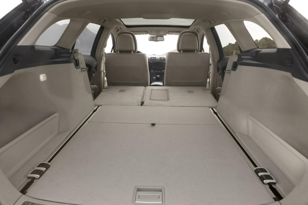 Toyota Avensis 3 поколение (2009-2011) Универсал интерьер багажник