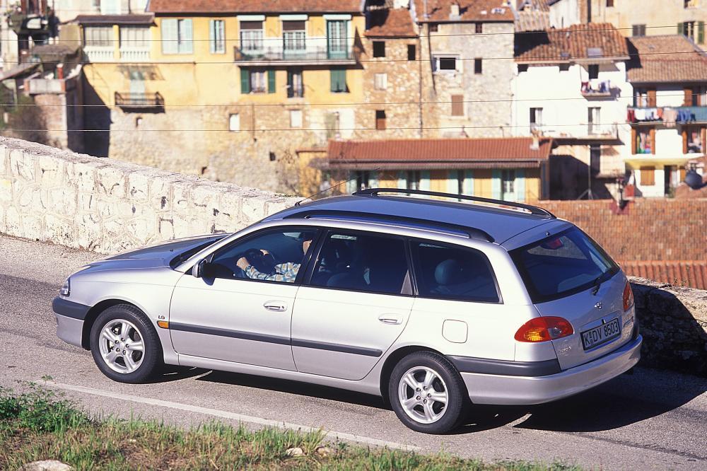 Toyota Avensis 1 поколение (1997-2000) Универсал