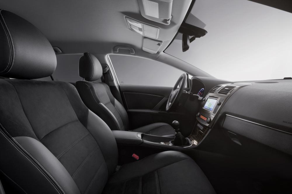 Toyota Avensis 3 поколение [рестайлинг] (2011-2015) Седан интерьер