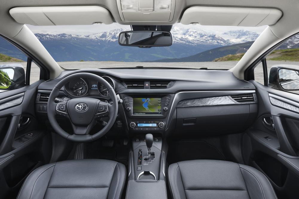 Toyota Avensis 3 поколение [2-й рестайлинг] (2015-2018) Седан интерьер
