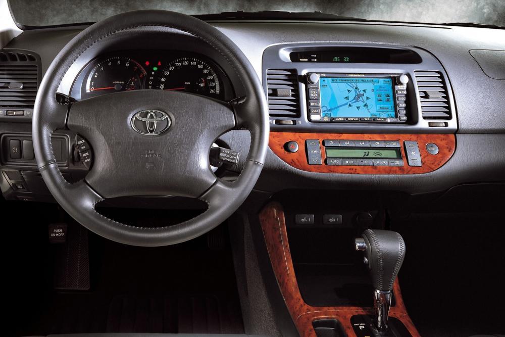 Toyota Camry 5 поколение XV30 (2001-2006) интерьер
