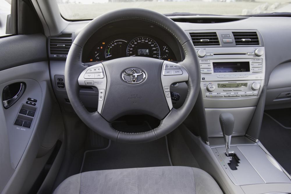 Toyota Camry 6 поколение XV40 [рестайлинг] (2009-2011) Hybrid седан 4-дв. интерьер