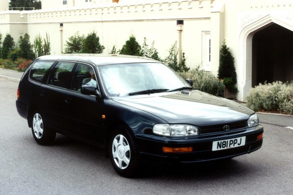 Toyota Camry 3 поколение XV10 (1992-1996) Универсал