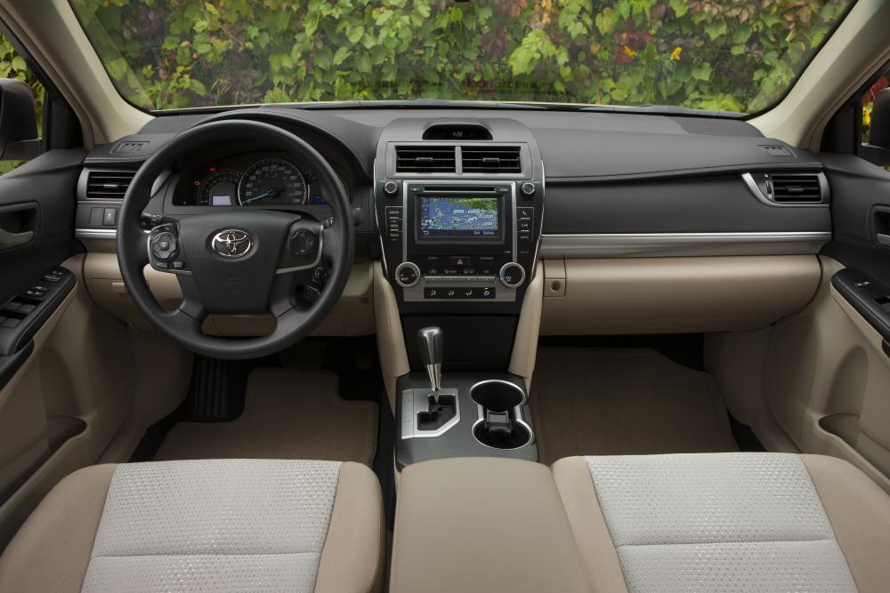 Toyota Camry 7 поколение XV50 (2011-2014) US-spec седан 4-дв.