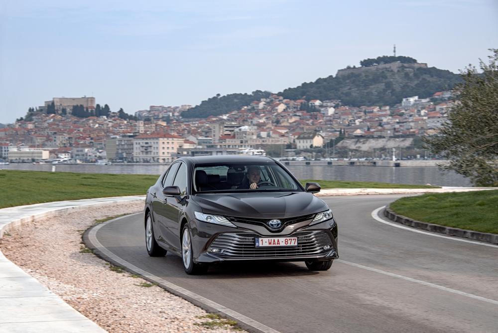 Toyota Camry 8 поколение XV70 (2017-2018) Седан