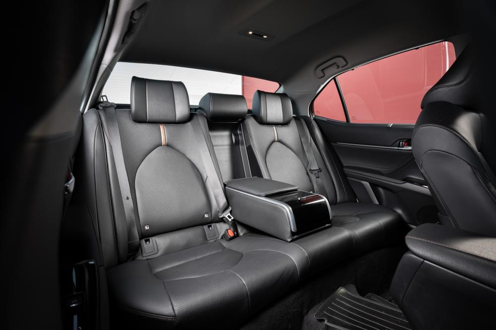 Toyota Camry 8 поколение XV70 (2017-2018) Седан интерьер