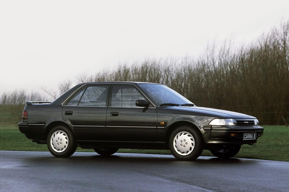 Toyota Carina 9 поколение T170 (1988-1992) II седан 4-дв.
