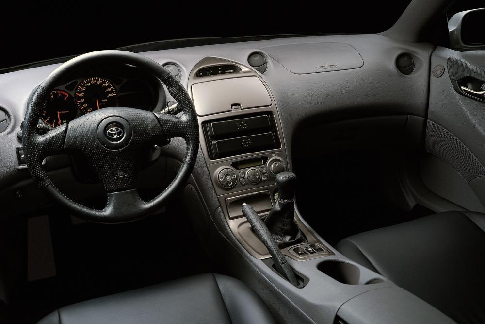 Toyota Celica 7 поколение [рестайлинг] (2002-2006) Купе интерьер