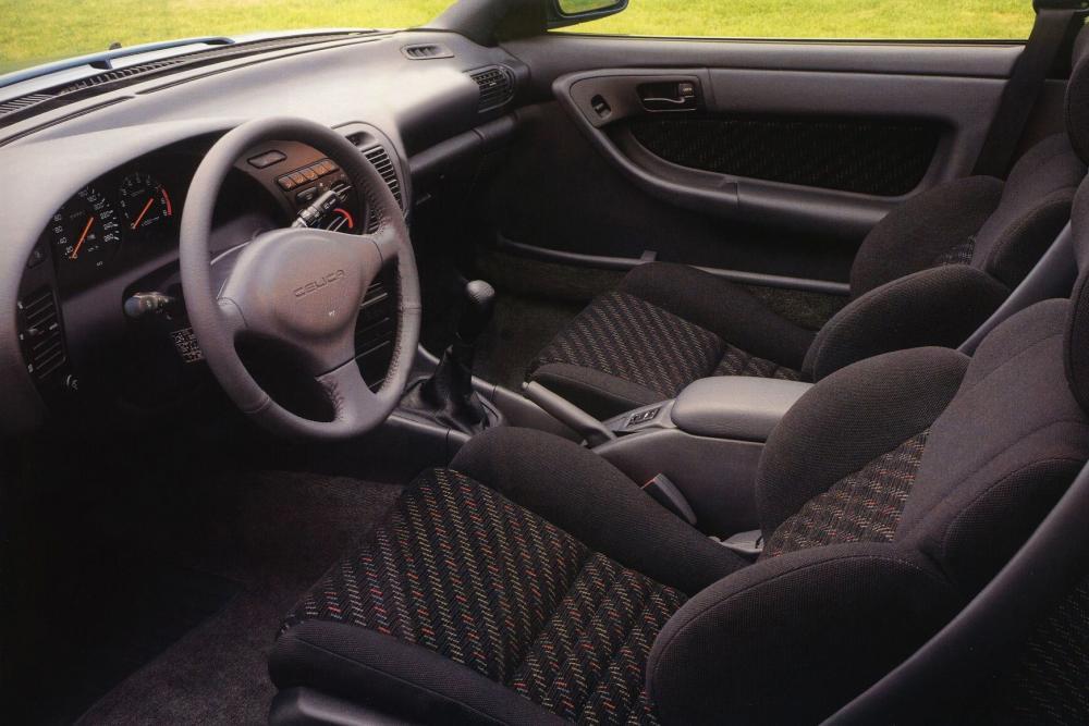 Toyota Celica 5 поколение (1989-1993) Лифтбэк интерьер
