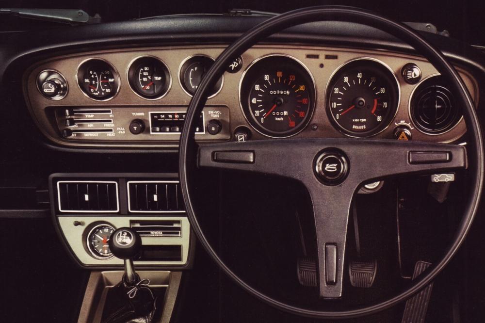Toyota Celica 1 поколение (1970-1977) Купе панель приборов