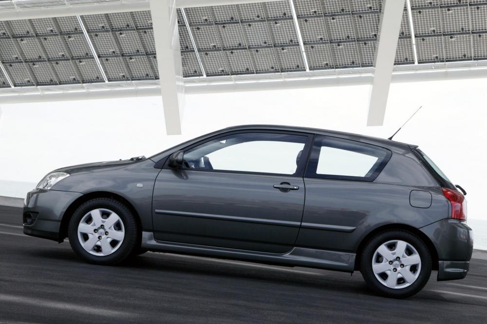 Toyota Corolla 9 поколение E130 [рестайлинг] (2004-2007) Хетчбэк 3-дв.
