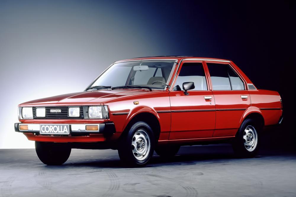 Toyota Corolla 4 поколение E70 (1979-1983) JDM седан 4-дв.