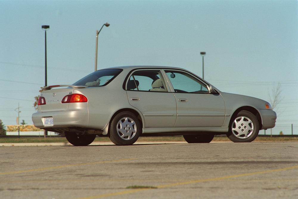 Toyota Corolla 8 поколение E110 [рестайлинг] (1999-2001) US-Spec. седан 4-дв.