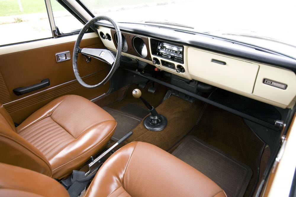 Toyota Corolla 1 поколение E10 (1966-1970) Sprinter купе интерьер