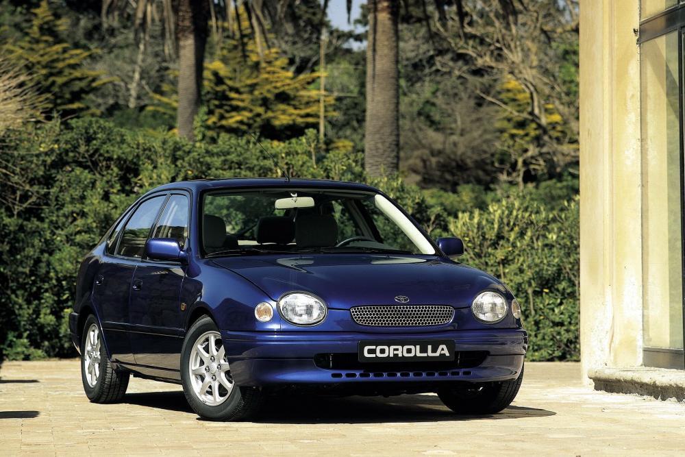 Toyota Corolla 8 поколение E110 (1997-1999) Лифтбэк