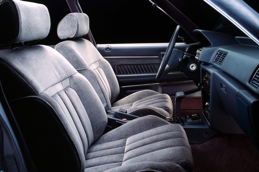 Toyota Cressida 3 поколение X70 (1984-1988) Седан интерьер