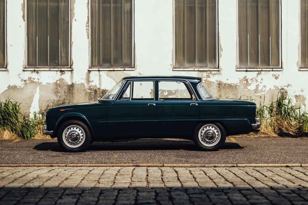 Alfa Romeo Giulia 105 (1962-1977) Седан