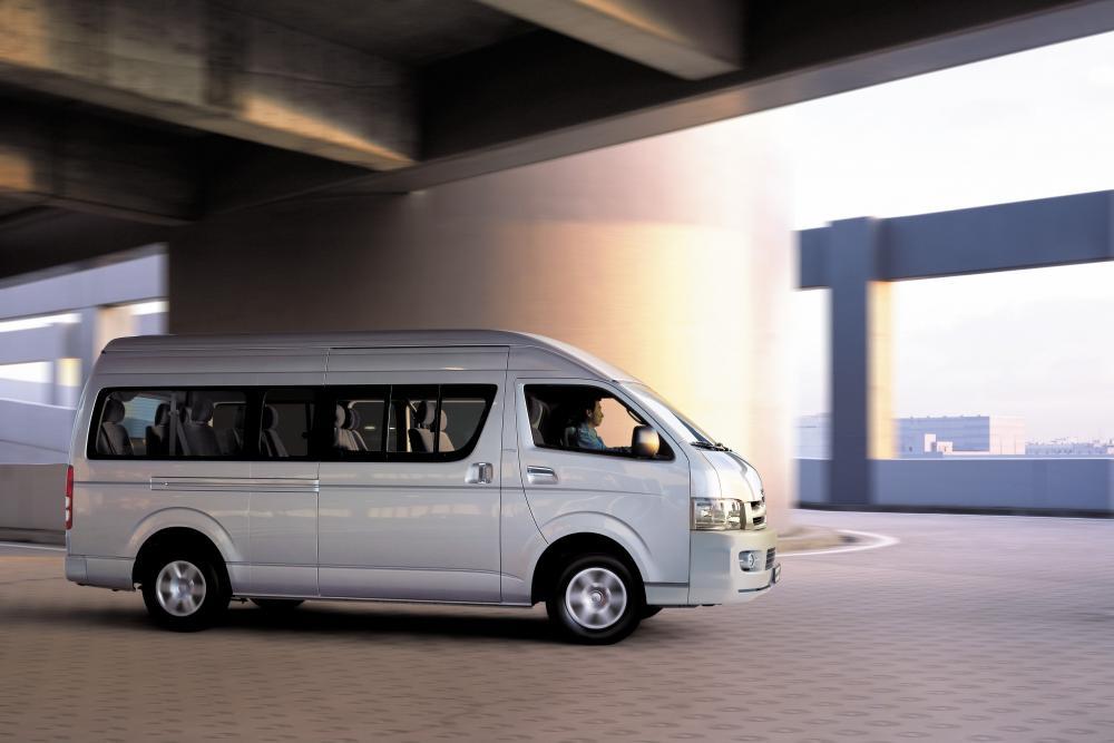 Toyota Hiace 5 поколение H200 (2004-2016) Минивэн