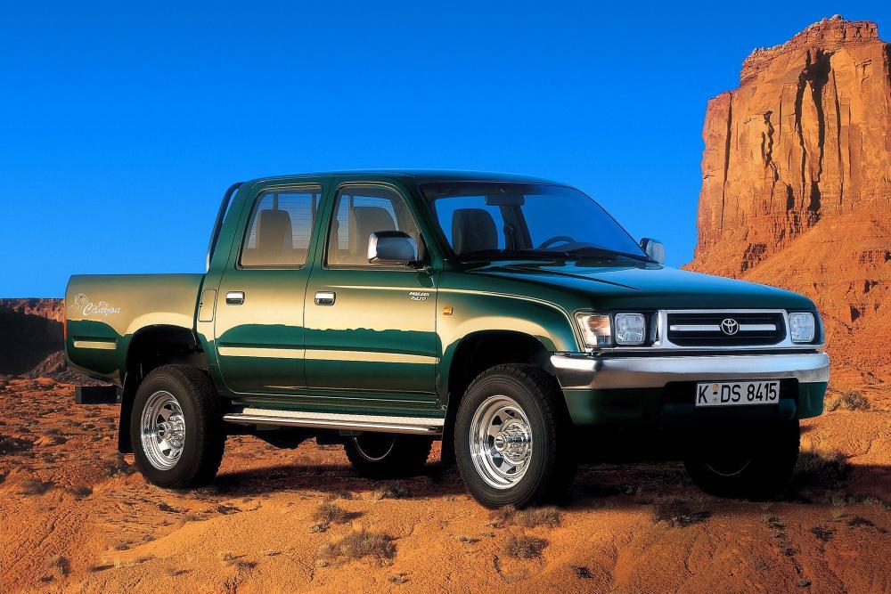 Toyota Hilux 6 поколение пикап 4-дв.