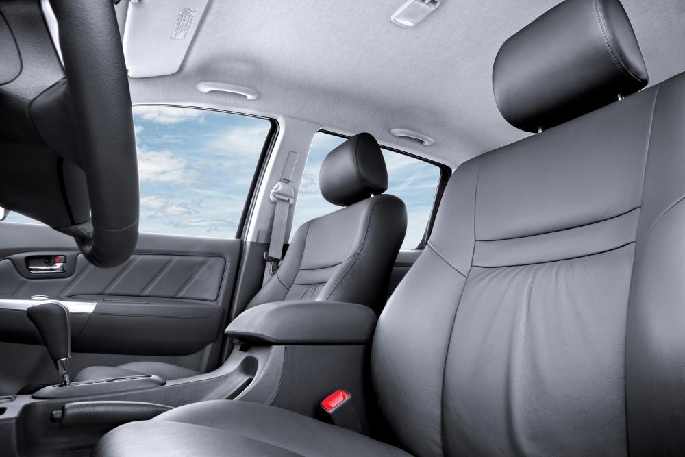 Toyota Hilux 7 поколение 2-й рестайлинг интерьер