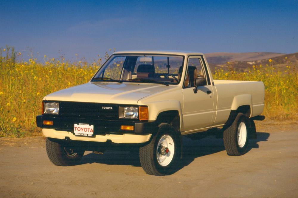 Toyota Hilux 4 поколение пикап 2-дв.