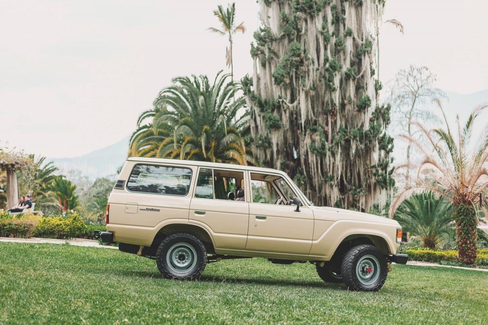 Toyota Land Cruiser J60 (1980-1987) Внедорожник