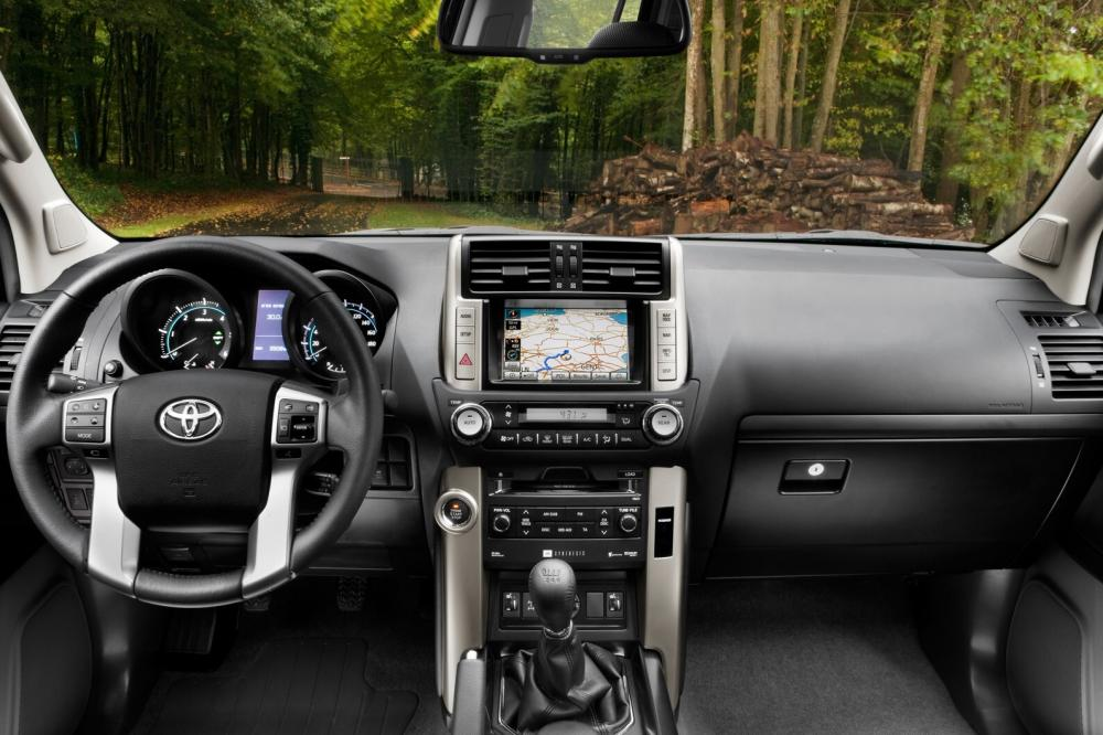 Toyota Land Cruiser Prado J150 (2009-2013) Внедорожник интерьер
