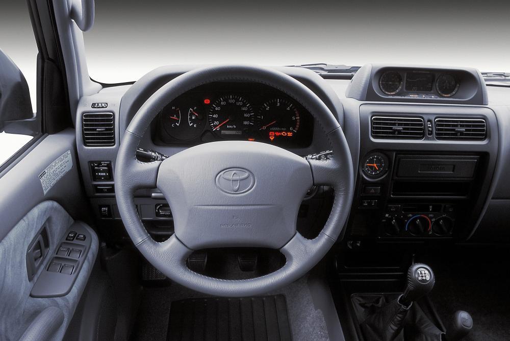 Toyota Land Cruiser Prado J90 [рестайлинг] (1999-2002) Внедорожник 5-дв. интерьер