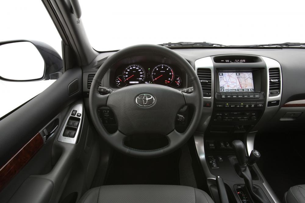Toyota Land Cruiser Prado J120 (2002-2009) Внедорожник 3-дв. интерьер