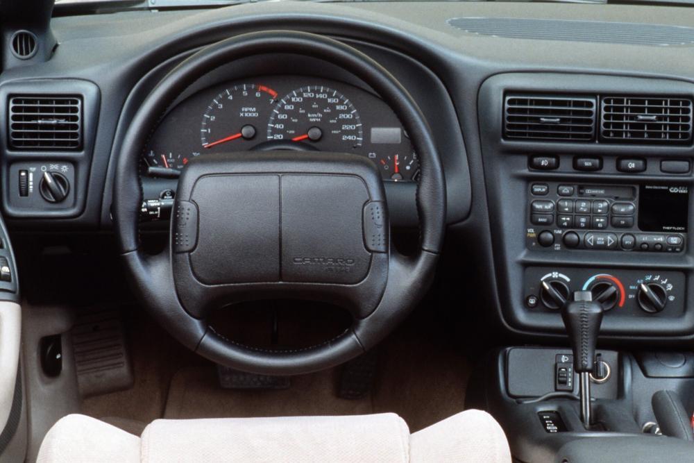 Chevrolet Camaro 4 поколение рестайлинг Купе передняя панель