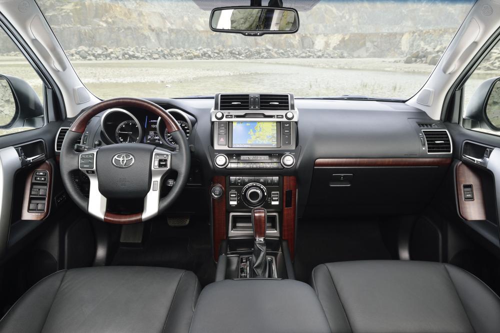 Toyota Land Cruiser Prado J150 [рестайлинг] (2013) Внедорожник 5-дв. интерьер
