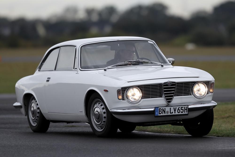 Alfa Romeo Giulia 105 (1962-1977) Sprint купе 2-дв.