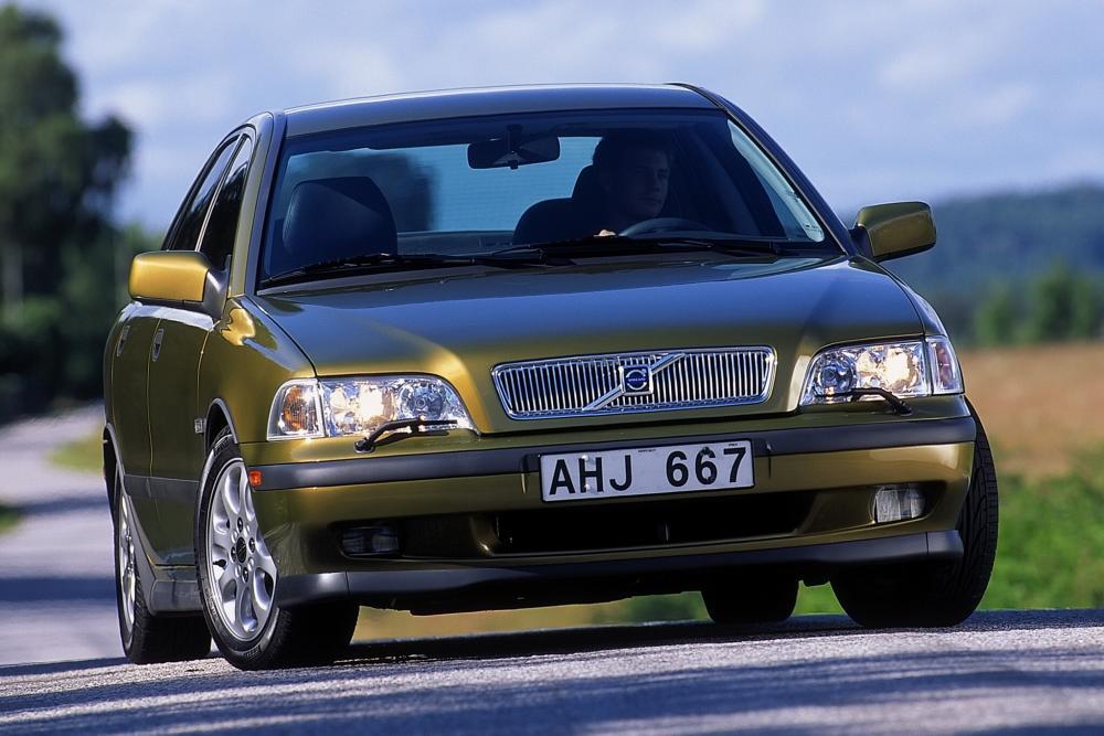 Volvo S40 1 поколение (1996-2000) Седан