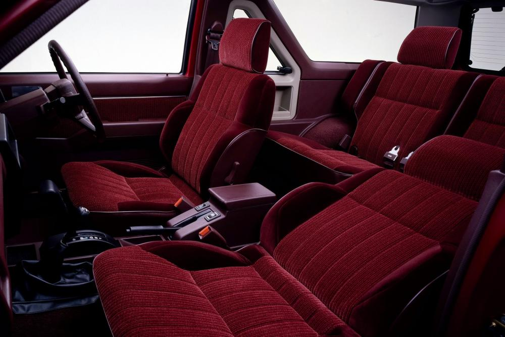 Nissan Terrano WD21 Внедорожник 3-дв. интерьер