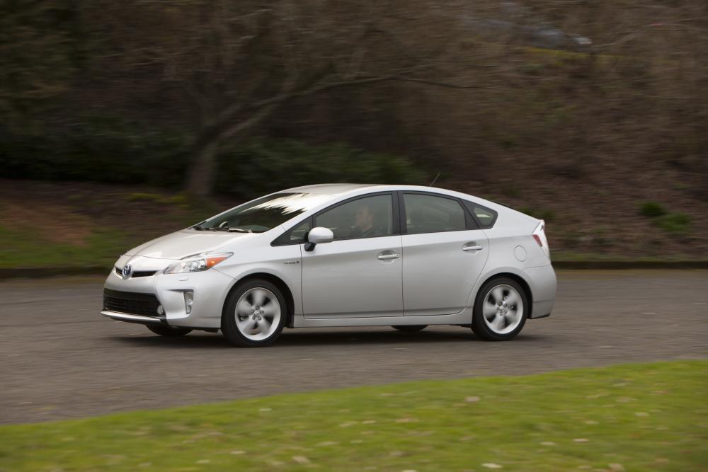 Toyota Prius 3 поколение рестайлинг