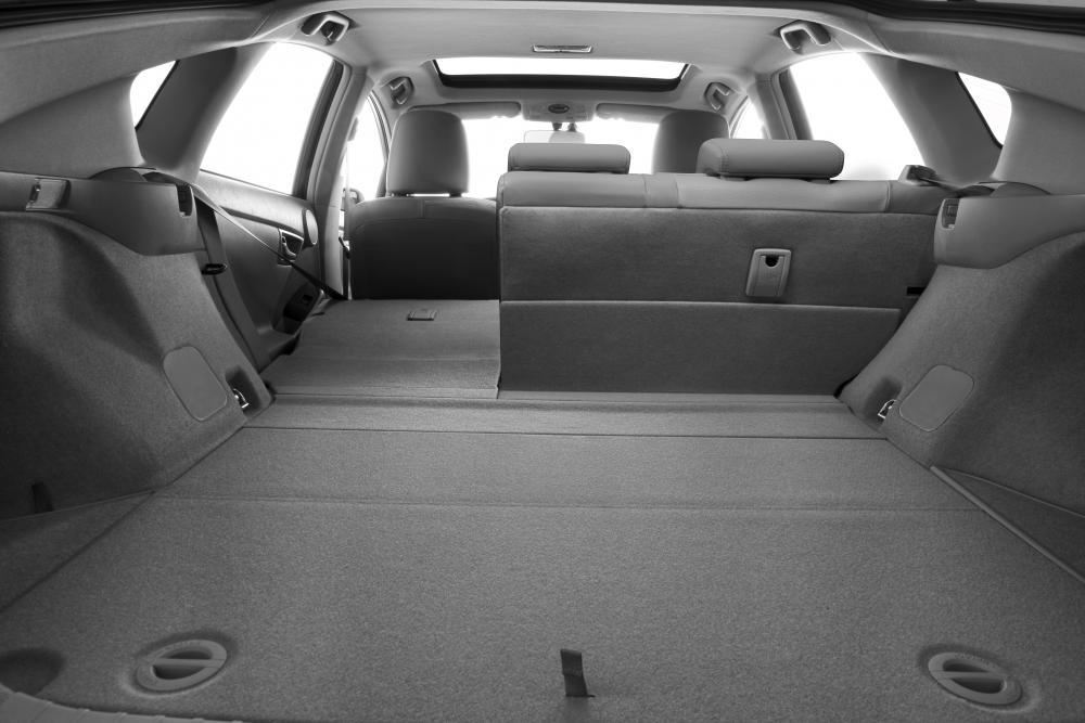 Toyota Prius 3 поколение рестайлинг багажник