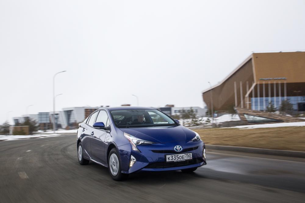 Toyota Prius 4 поколение (2017) Хетчбэк