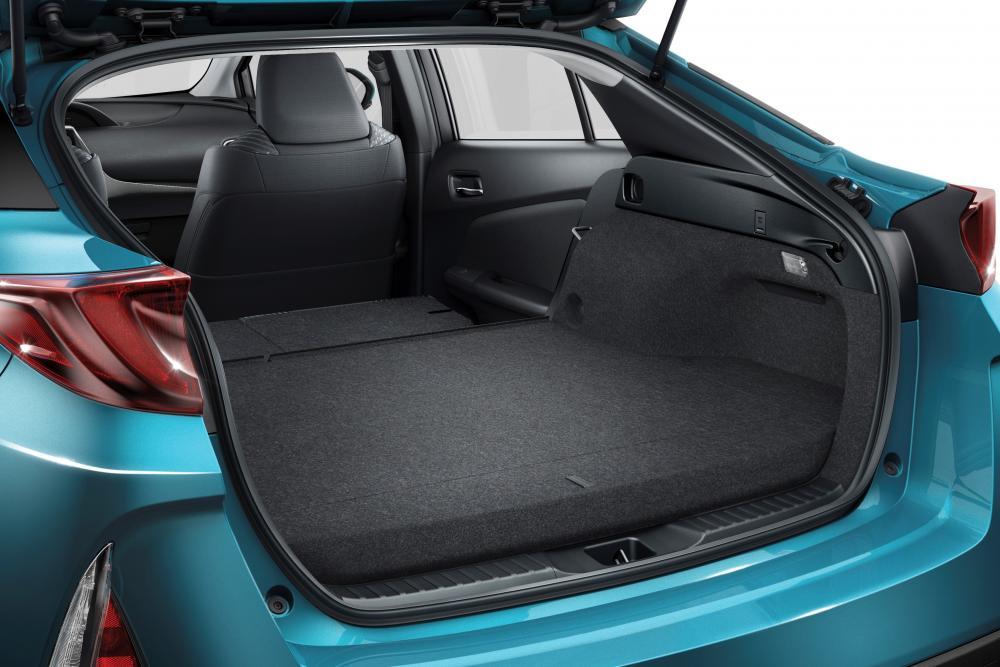 Toyota Prius 4 поколение (2017) Хетчбэк багажник