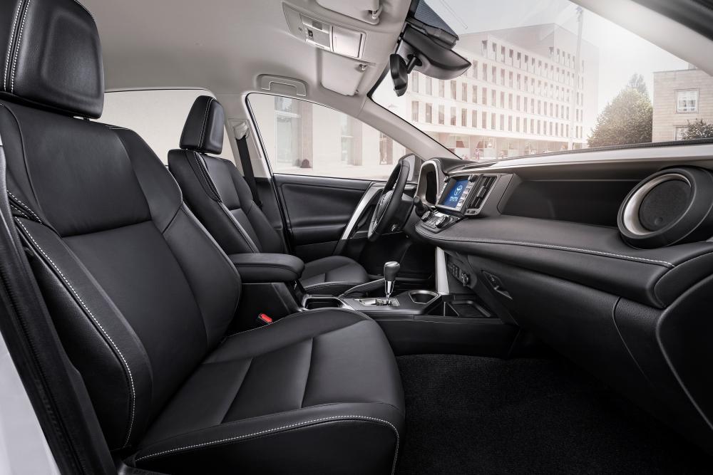 Toyota RAV4 4 поколение [рестайлинг] (2015-2019) Кроссовер интерьер