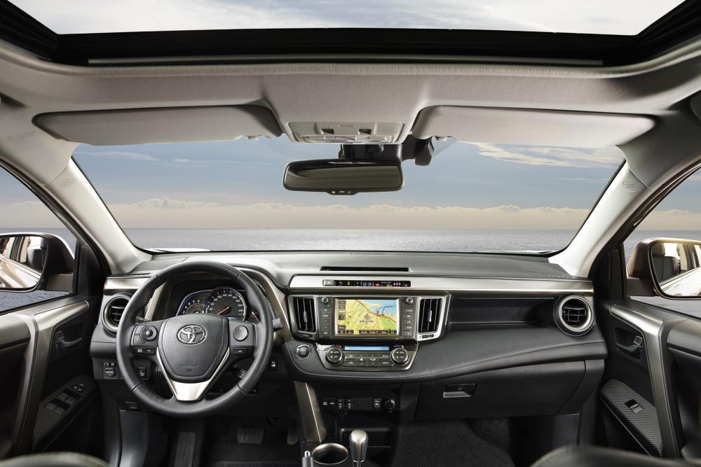 Toyota RAV4 4 поколение (2012-2015) Кроссовер интерьер