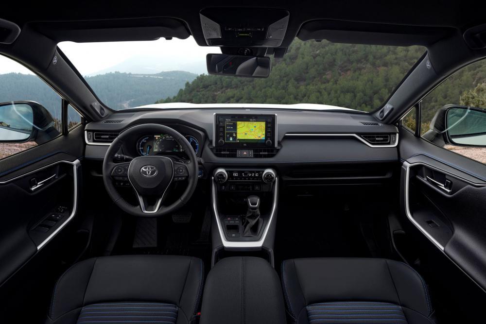 Toyota RAV4 5 поколение (2019) Кроссовер интерьер
