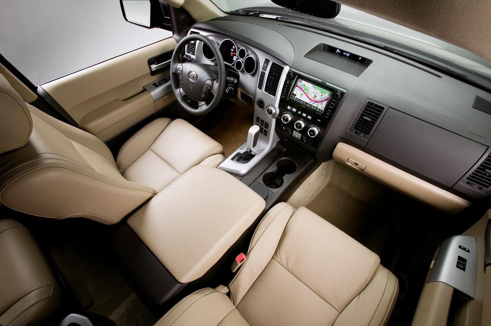 Toyota Sequoia 2 поколение (2008-2017) Внедорожник интерьер