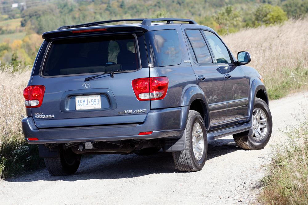 Toyota Sequoia 1 поколение [рестайлинг] (2005-2008) Внедорожник