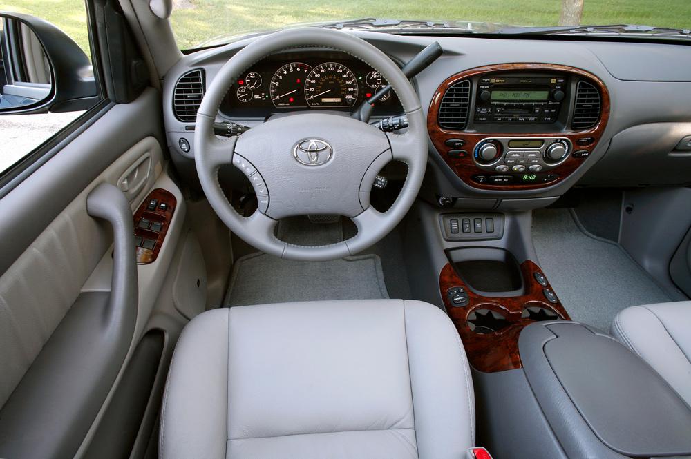 Toyota Sequoia 1 поколение [рестайлинг] (2005-2008) Внедорожник интерьер
