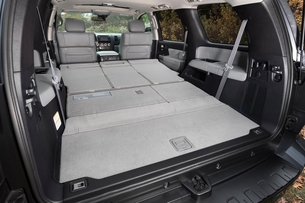 Toyota Sequoia 2 поколение [рестайлинг] (2017) Внедорожник интерьер