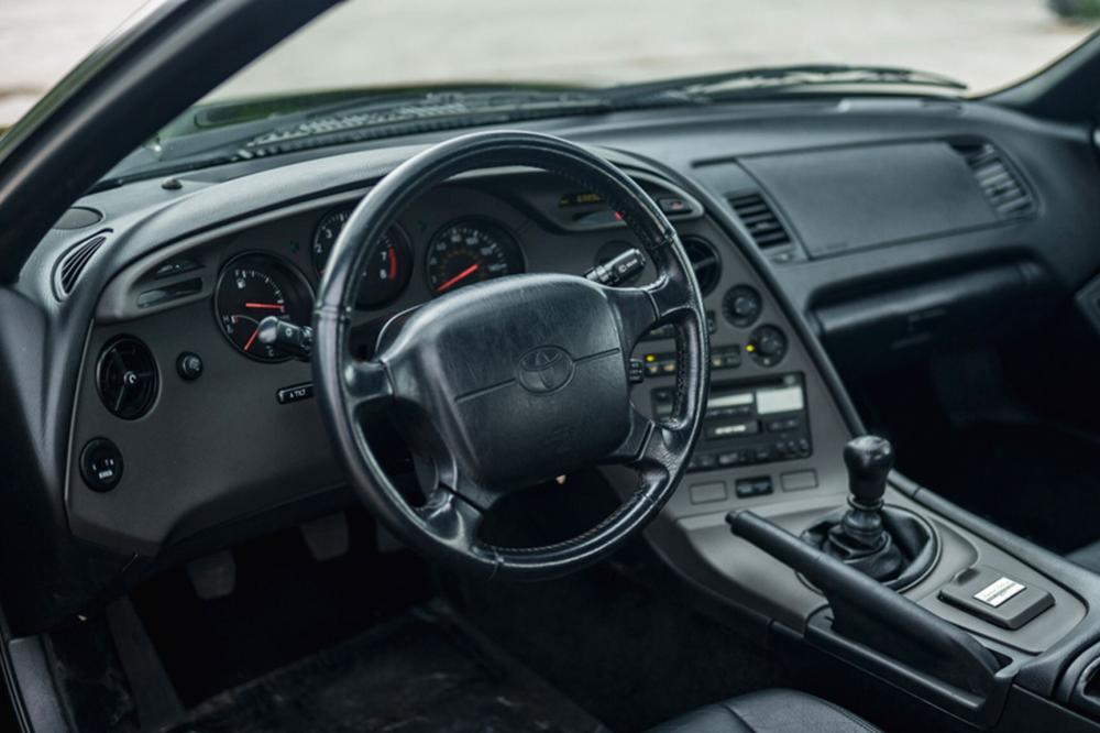 Toyota Supra Mark IV рестайлинг тарга интерьер