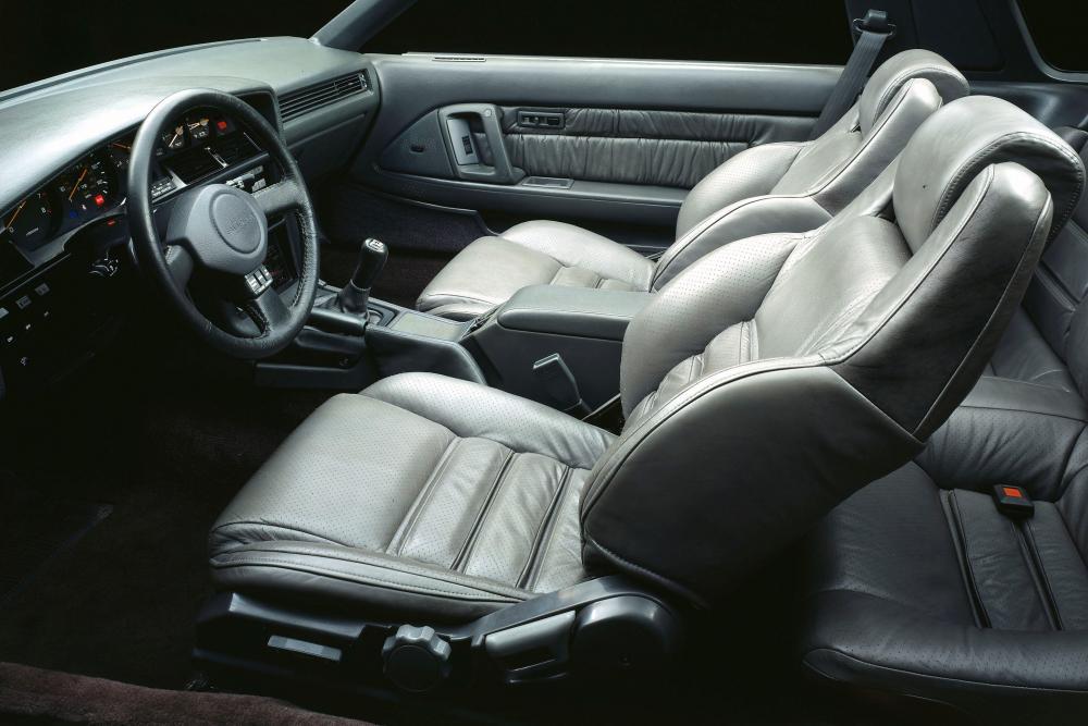 Toyota Supra Mark III тарга интерьер