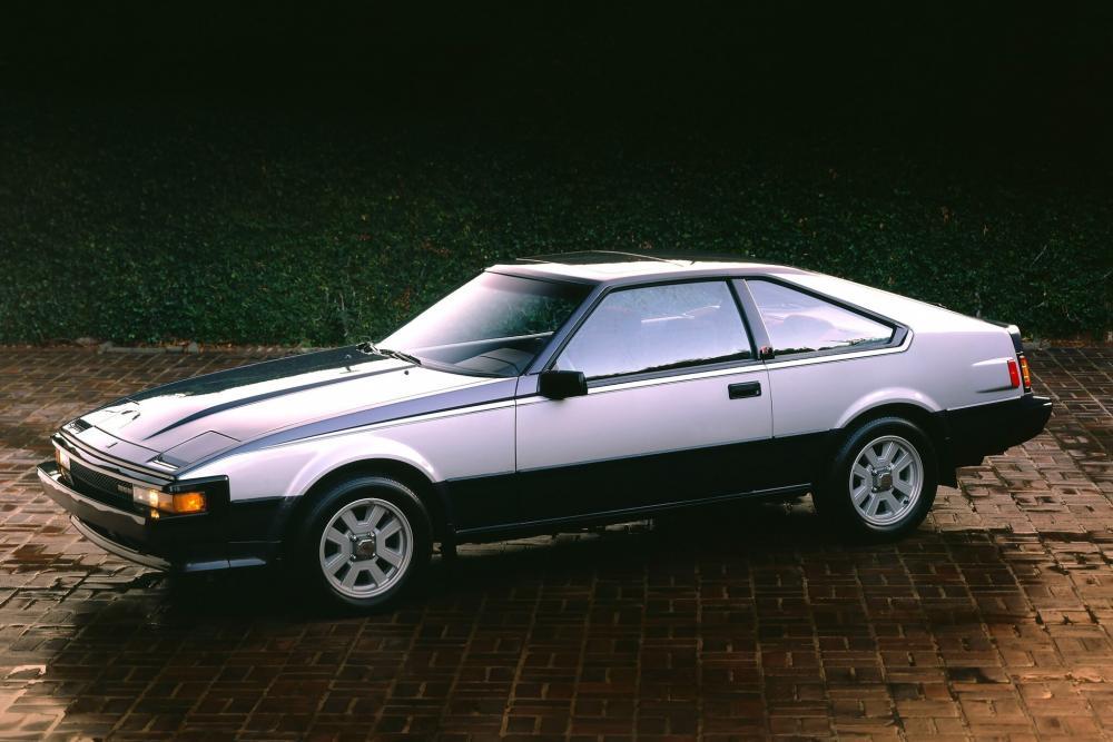 Toyota Supra Mark II рестайлинг вид сбоку
