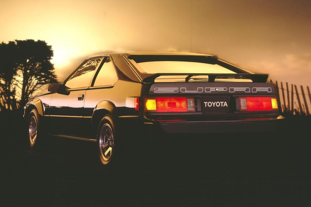 Toyota Supra Mark II рестайлинг вид сзади